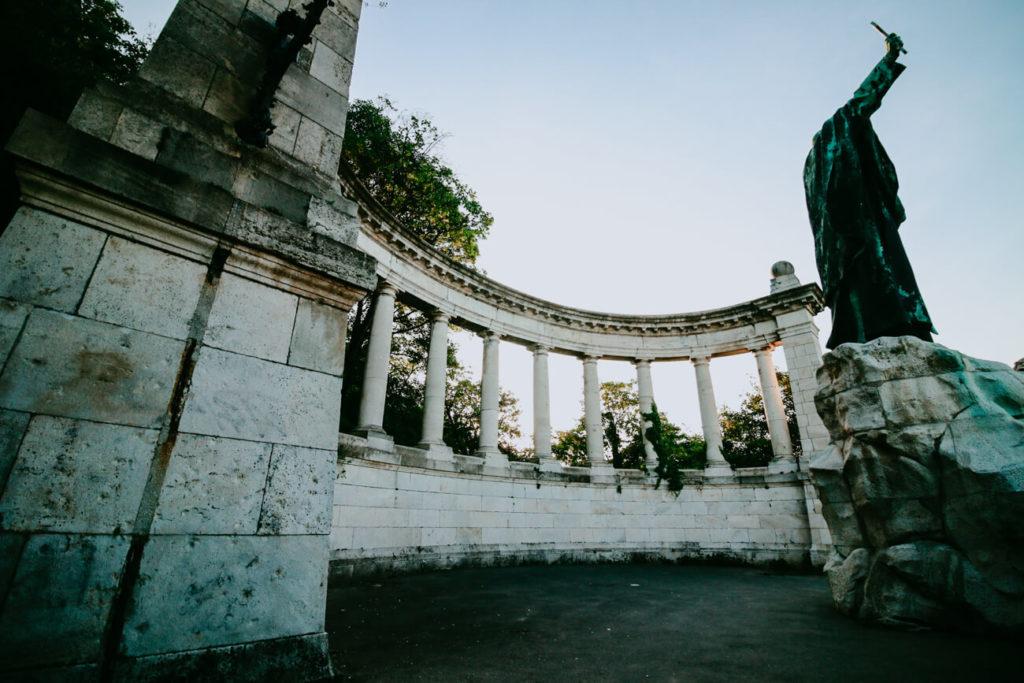 stara architektura budapesztu