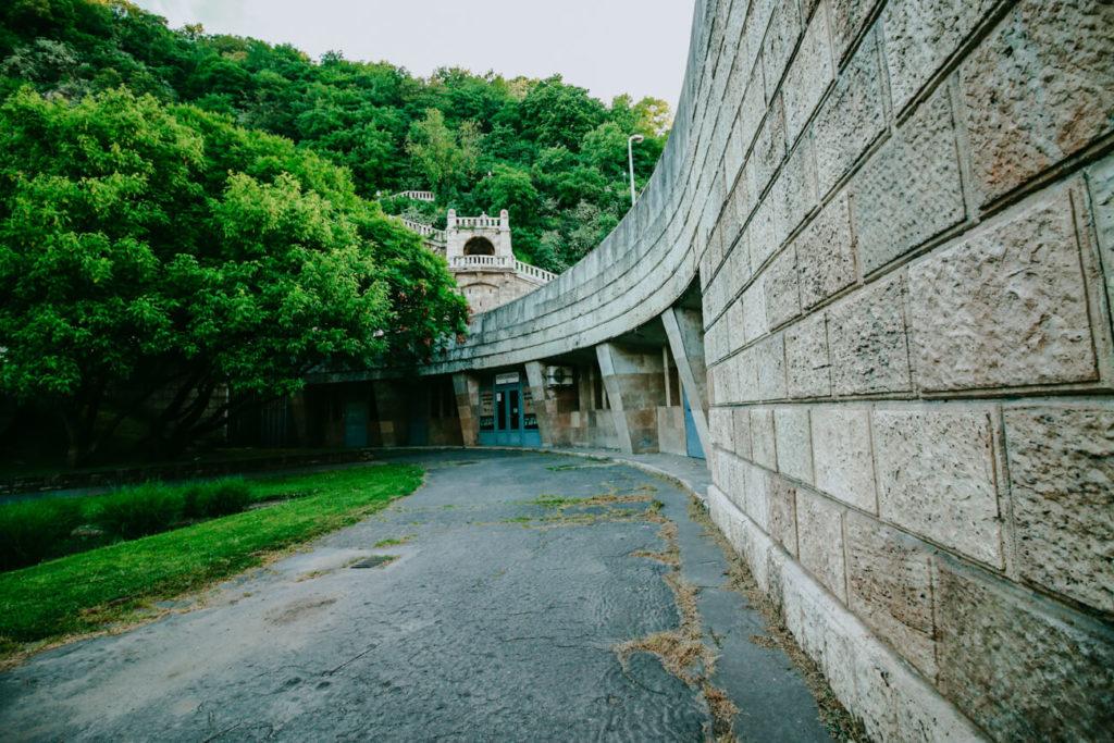 mur w Budapeszcie